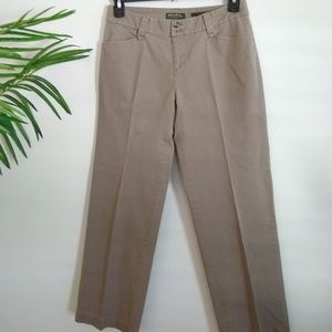 Eddie Bauer Blakely fit khaki pants 6 Short